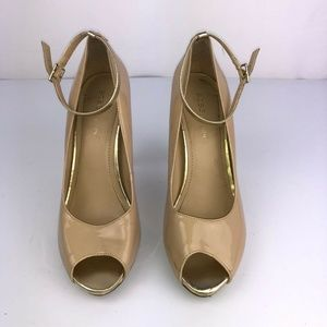 BCB Generation Size 6.5 Beige High Heeled Shoes